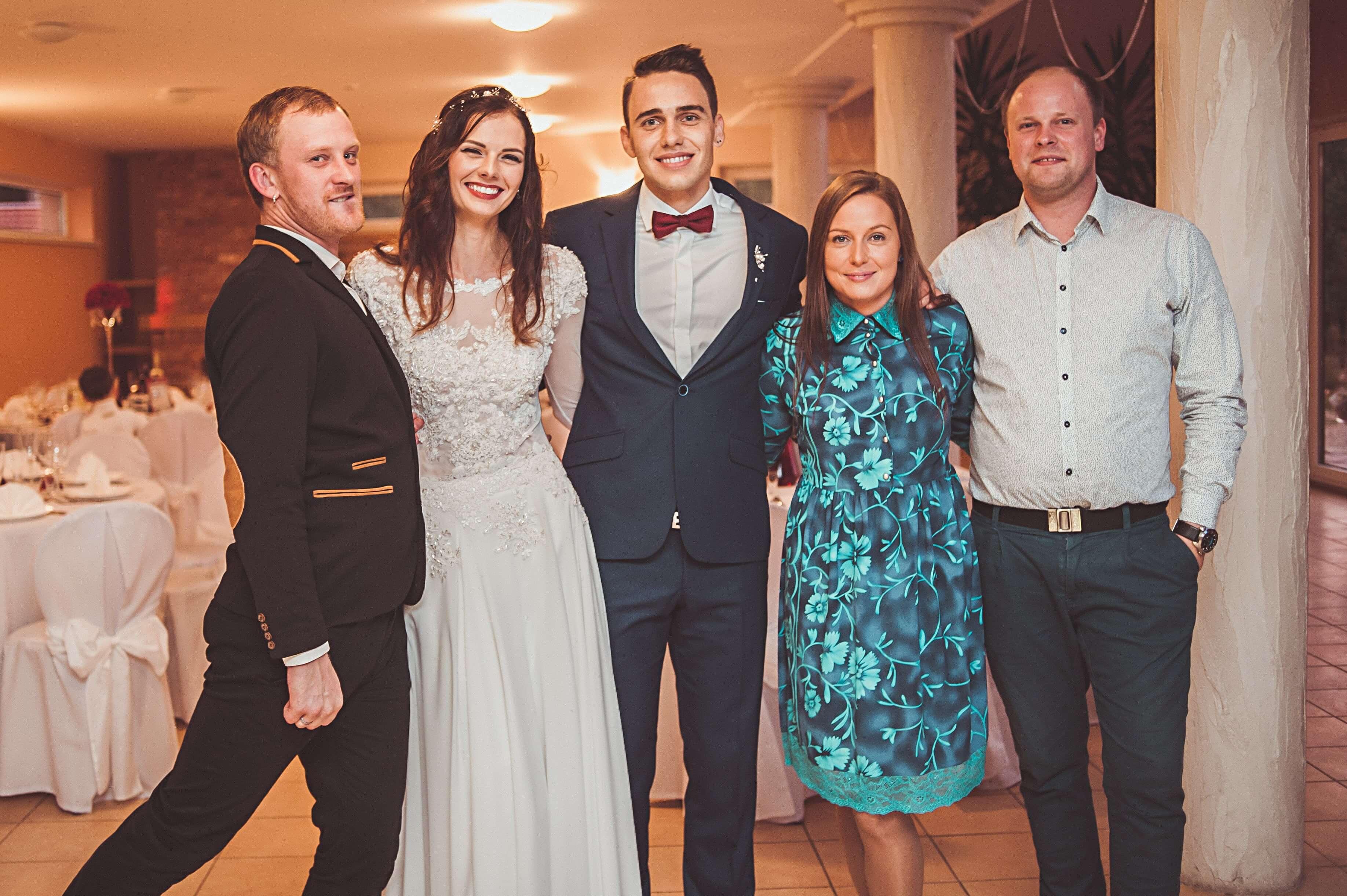 Linas ir Rasa vestuviu vedėjai - nesukgalvos.lt