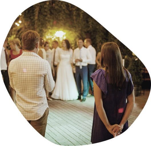 Vestuvių vedėjų funkcija ir nauda